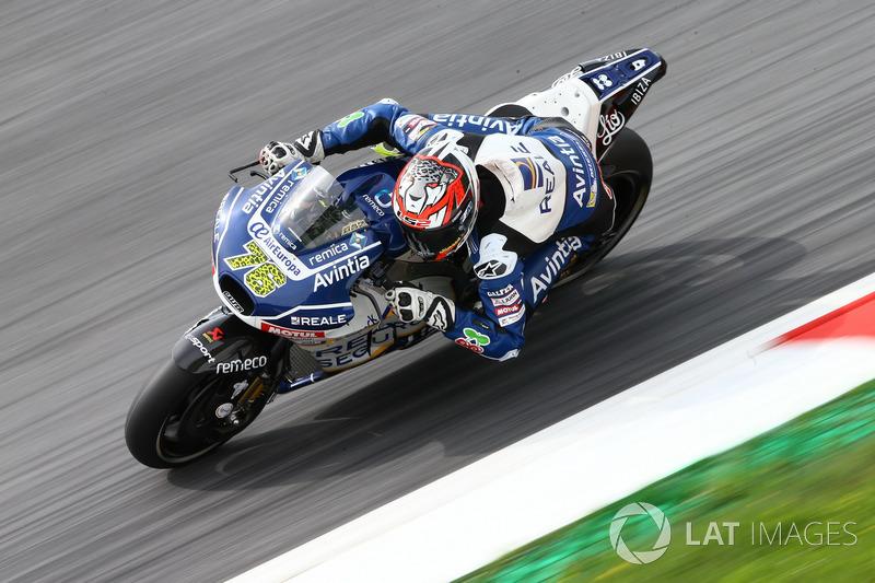 "<img src=""http://cdn-1.motorsport.com/static/custom/car-thumbs/MOTOGP_2017/BIKES/Avintia.png"" width=""80"" /> Reale Avintia Racing"