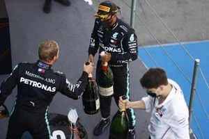 Valtteri Bottas, Mercedes-AMG Petronas F1, 3rd position, Lewis Hamilton, Mercedes-AMG Petronas F1, 1st position, celebrate on the podium