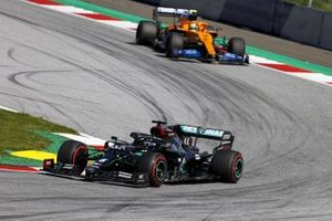 Lewis Hamilton, Mercedes F1 W11 EQ Performance leads Lando Norris, McLaren MCL35