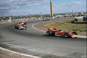 Jochen Rindt,Lotus 72 Ford en John Surtees,McLaren M7A Ford