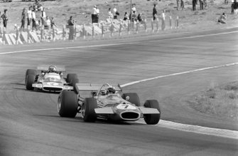Jack Brabham, Brabham BT33 Ford, Jean-Pierre Beltoise, Matra MS120