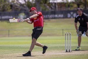 Scott McLaughlin, DJR Team Penske plays cricket