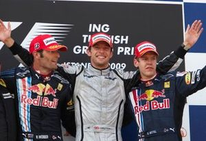 Podium: Race winner Jenson Button, Brawn GP, second place Mark Webber, Red Bull Racing, third place Sebastian Vettel, Red Bull Racing
