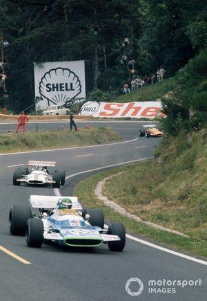 Henri Pescarolo, Matra MS120, leads Pedro Rodriguez, BRM P153 and Andrea de Adamich, McLaren M7D Alfa Romeo