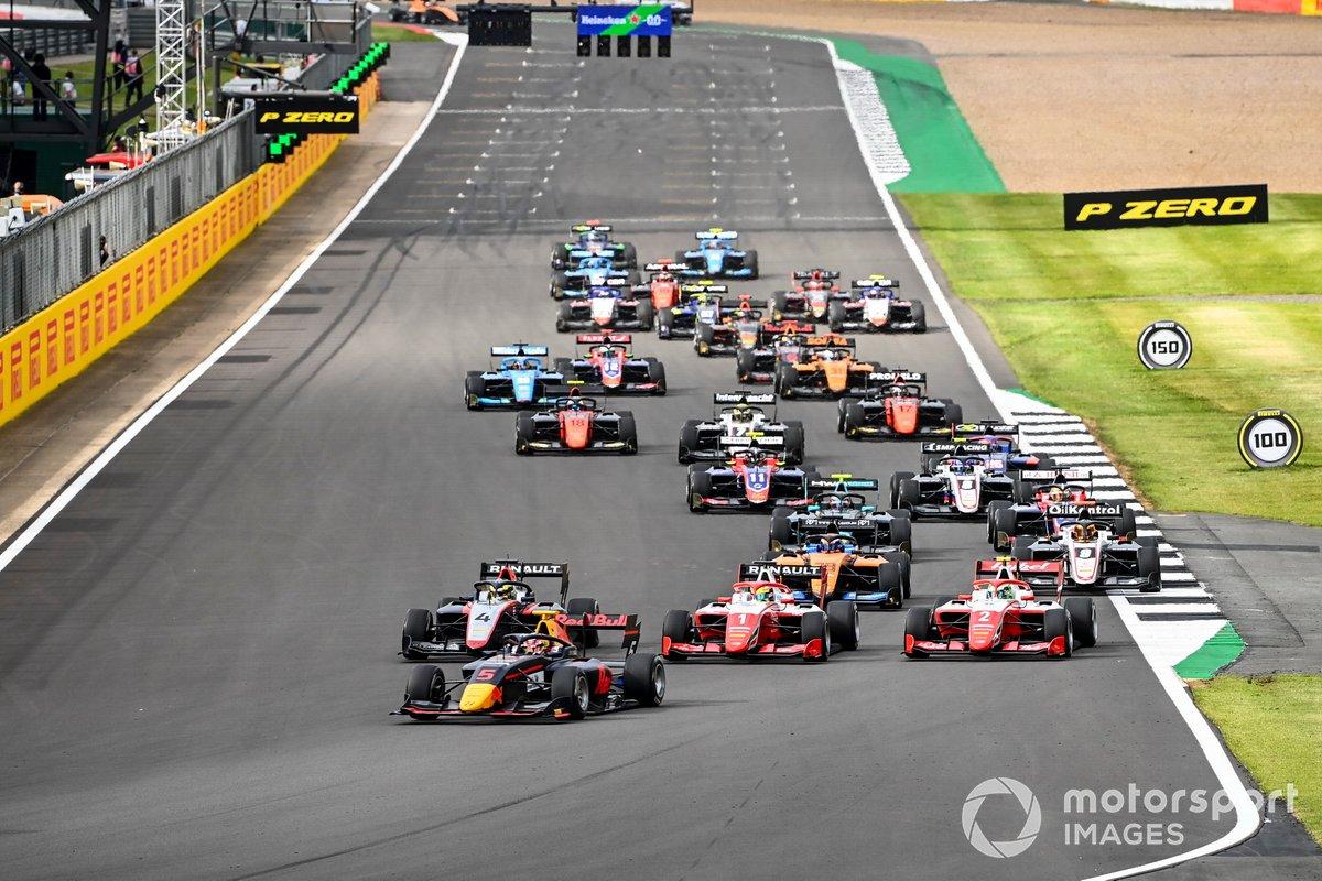 Liam Lawson, Hitech Grand Prix, Max Fewtrell, Hitech Grand Prix, Oscar Piastri, Prema Racing e Frederik Vesti, Prema Racing alla partenza