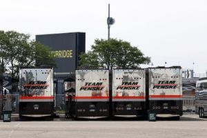 Will Power, Team Penske Chevrolet, Simon Pagenaud, Team Penske Chevrolet, Josef Newgarden, Team Penske Chevrolet transporters, Helio Castroneves, Team Penske Chevrolet