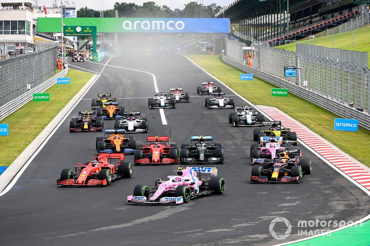 Lance Stroll, Racing Point RP20, Max Verstappen, Red Bull Racing RB16, Sebastian Vettel, Ferrari SF1000, Valtteri Bottas, Mercedes F1 W11, Charles Leclerc, Ferrari SF1000, al inicio