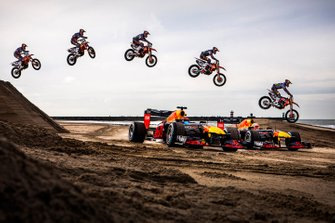 Max Verstappen, Alexander Albon, Red Bull Racing e Jeffrey Herlings