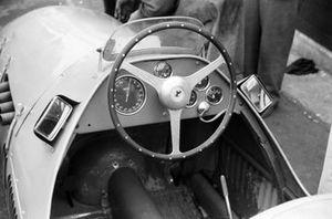 The cockpit of a Ferrari 500