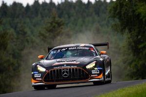 #6 Mercedes-AMG Team HRT Mercedes-AMG GT3: Patrick Assenheimer, Dominik Baumann, Dirk Müller