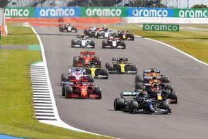 Valtteri Bottas, Mercedes F1 W11 Max Verstappen, Red Bull Racing RB16 et Charles Leclerc, Ferrari SF1000 au départ de la course