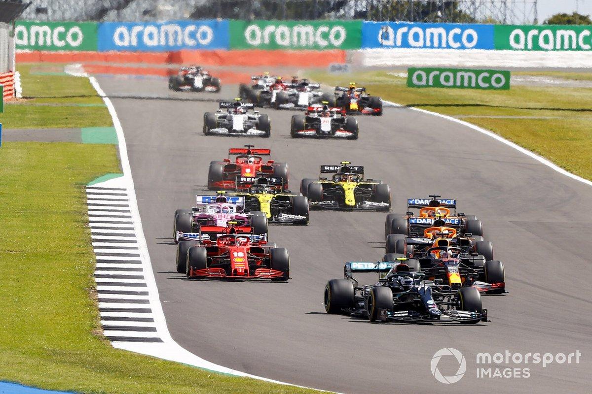 Valtteri Bottas, Mercedes F1 W11 Max Verstappen, Red Bull Racing RB16 e Charles Leclerc, Ferrari SF1000 alla partenza della gara