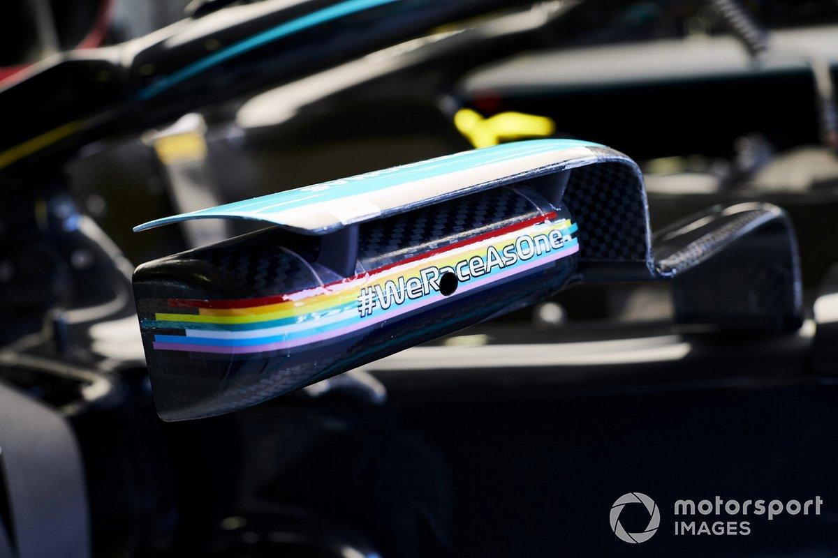 El mensaje #WeRaceAsOne en el coche de Lewis Hamilton, Mercedes F1 W11