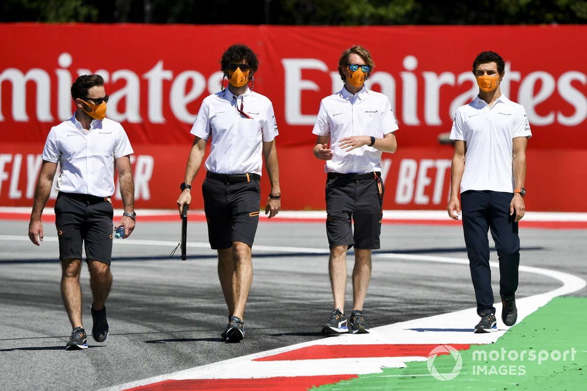 Lando Norris, McLaren walks the track with his engineers