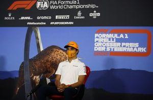 Lando Norris, McLaren durante la conferenza stampa