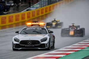 Safety Car leads Yuki Tsunoda, Carlin and Guanyu Zhou, UNI-Virtuosi