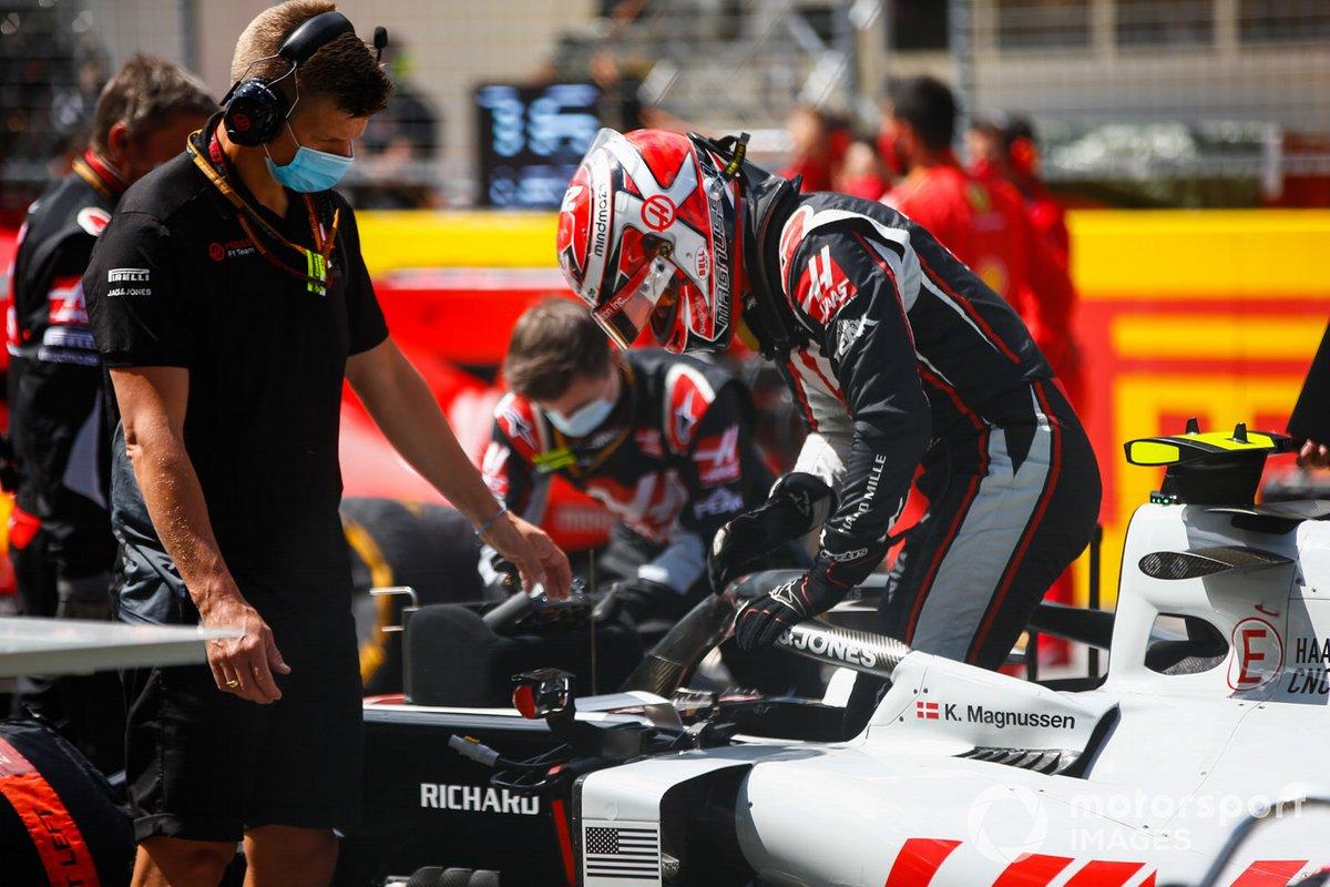 Kevin Magnussen, Haas F1, sulla griglia di partenza