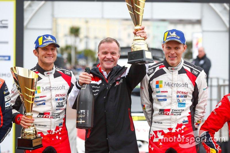 Podio: Il vincitore Ott Tänak, Martin Järveoja, Toyota Gazoo Racing WRT Toyota Yaris WRC with Tommi Makinen, Toyota Gazoo Racing