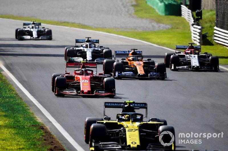 Nico Hulkenberg, Renault F1 Team R.S. 19, precede Charles Leclerc, Ferrari SF90, Carlos Sainz Jr., McLaren MCL34, Kimi Raikkonen, Alfa Romeo Racing C38, Lewis Hamilton, Mercedes AMG F1 W10, e Valtteri Bottas, Mercedes AMG W10