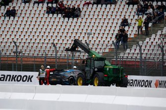 Paul Di Resta, R-Motorsport, Aston Martin Vantage AMR, dopo l'incidente