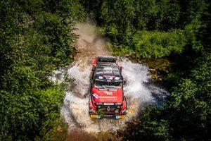 Martin van der Brink, Wouter de Graff y Mitchell van der Brink, Mammoet Rallysport, Renault CBH 385 (301)