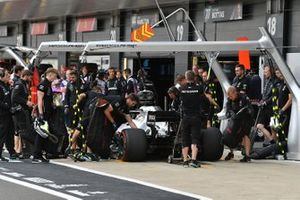 Lewis Hamilton, Mercedes AMG F1 W10, in the pits during practice