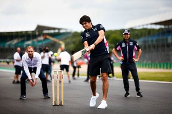 Lance Stroll, Racing Point plays cricket