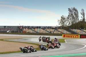 Start der Superbike-WM 2019 in Magny-Cours: Jonathan Rea, Kawasaki Racing Team, führt
