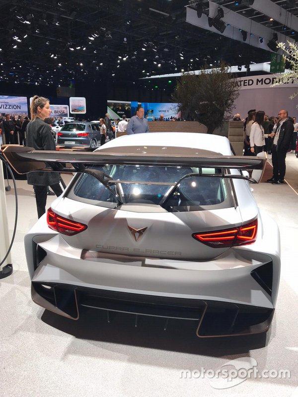 Carro do ETCR apresentado no Salão de Genebra de 2018