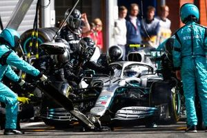 Valtteri Bottas, Mercedes AMG W10, in the pits