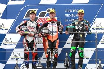Podium : le vainqueur Aron Canet, Max Racing Team, le deuxième Ai Ogura, Honda Team Asia, le troisième Dennis Foggia, Sky Racing Team VR46