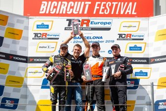 Podium: Race winner Daniel Lloyd, Brutal Fish Racing Team Honda Civic Type R, second place Gilles Magnus, Comtoyou Racing Audi RS 3 LMS, third place Julien Briché, JSB Compétition Peugeot 308 TCR