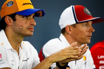 Carlos Sainz Jr., McLaren and Kimi Raikkonen, Alfa Romeo Racing in the Press Conference
