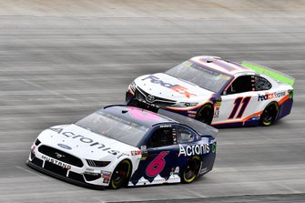 Ryan Newman, Roush Fenway Racing, Ford Mustang Acronis, Denny Hamlin, Joe Gibbs Racing, Toyota Camry FedEx Express