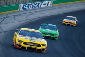 Michael McDowell, Front Row Motorsports, Ford Mustang Love's Travel Stops and Ryan Newman, Roush Fenway Racing, Ford Mustang Acorns