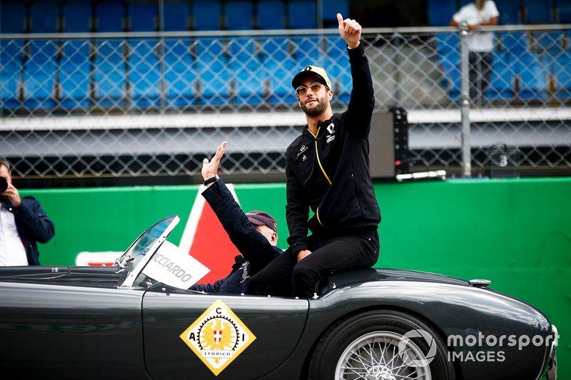 Daniel Ricciardo, Renault F1 Team, alla parata dei piloti