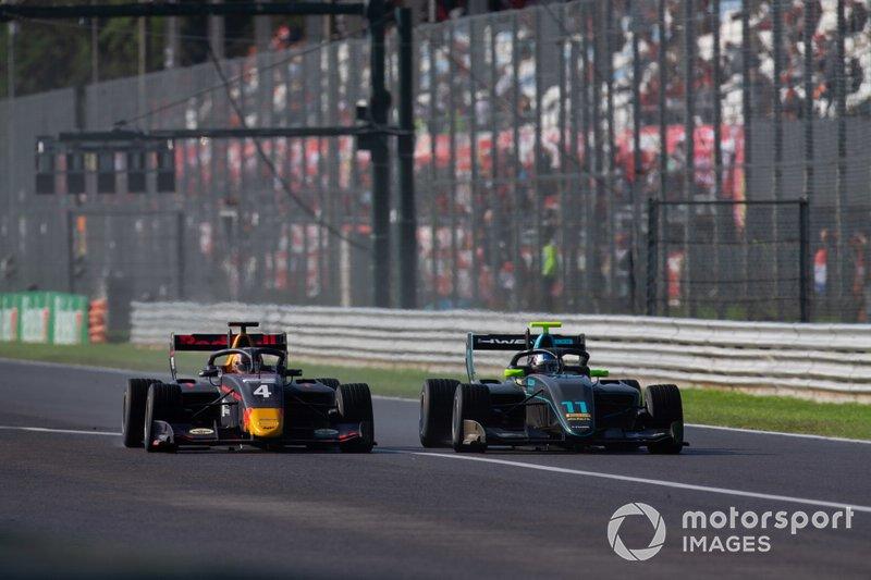 Jake Hughes, HWA RACELAB e Liam Lawson, MP Motorsport