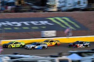 Paul Menard, Wood Brothers Racing, Ford Mustang Menards / Monster and David Ragan, Front Row Motorsports, Ford Mustang Select Blinds