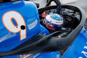 Scott Dixon, Chip Ganassi Racing Honda with aeroscreen