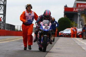 Alex Lowes, Pata Yamaha after crash