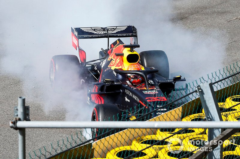 Max Verstappen, Red Bull Racing RB15, se crashe au départ