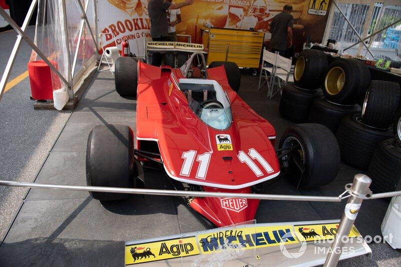 Coche de Jody Scheckter, Ferrari 312T en el paddock