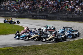 Takuma Sato, Rahal Letterman Lanigan Racing Honda, Marcus Ericsson, Arrow Schmidt Peterson Motorsports Honda, James Hinchcliffe, Arrow Schmidt Peterson Motorsports Honda, start