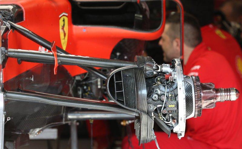 Detalle del freno delantero del Ferrari SF90