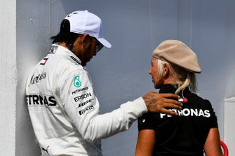 Pole man Lewis Hamilton, Mercedes AMG F1, with his Trainer Angela Cullen