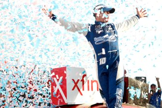 Race winner A.J. Allmendinger, Kaulig Racing, Chevrolet Camaro