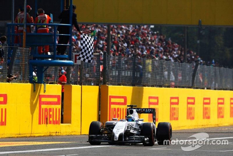 Lewis Hamilton – Bandeira quadriculada