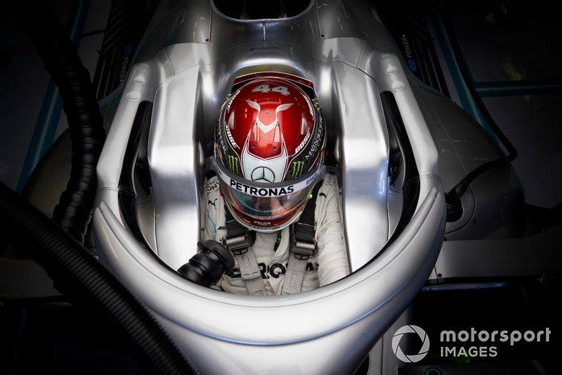 3: Lewis Hamilton, Mercedes, 1min14s769