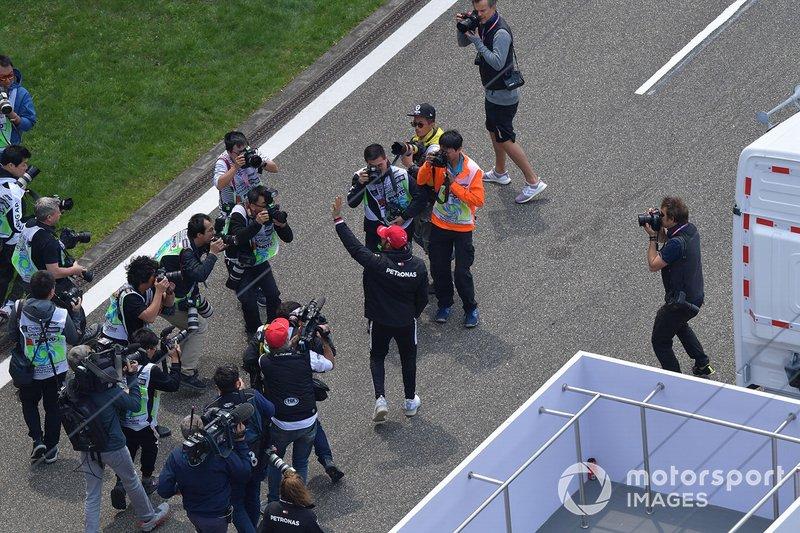 Fotografi intorno a Lewis Hamilton, Mercedes AMG F1