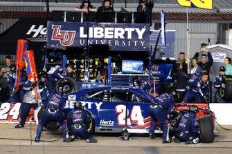William Byron, Hendrick Motorsports, Chevrolet Camaro Liberty University pit stop
